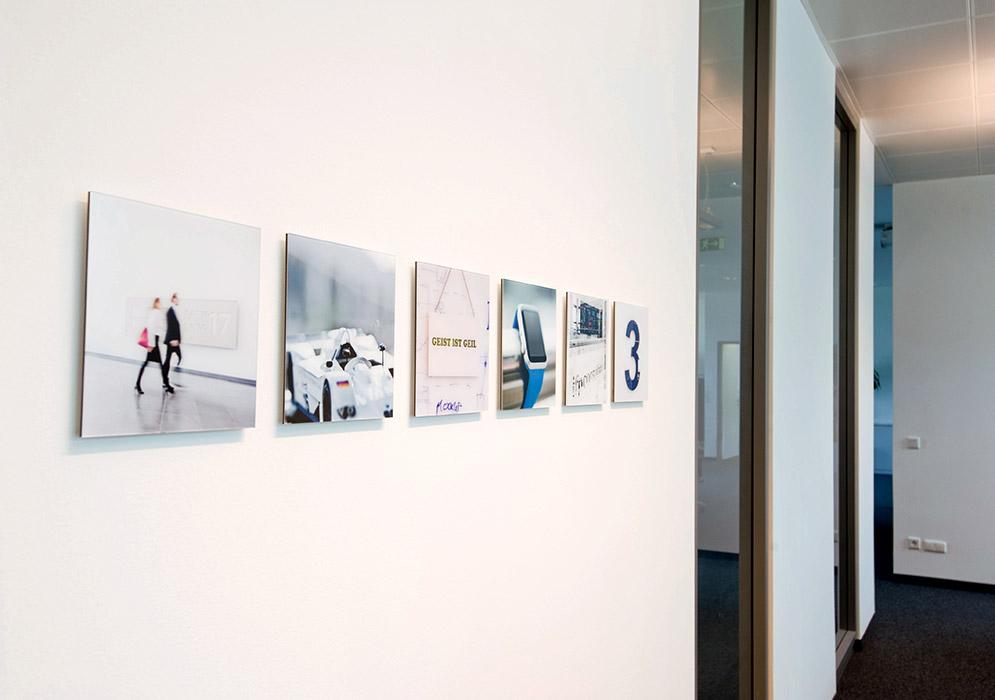 Bilder an die Wände!